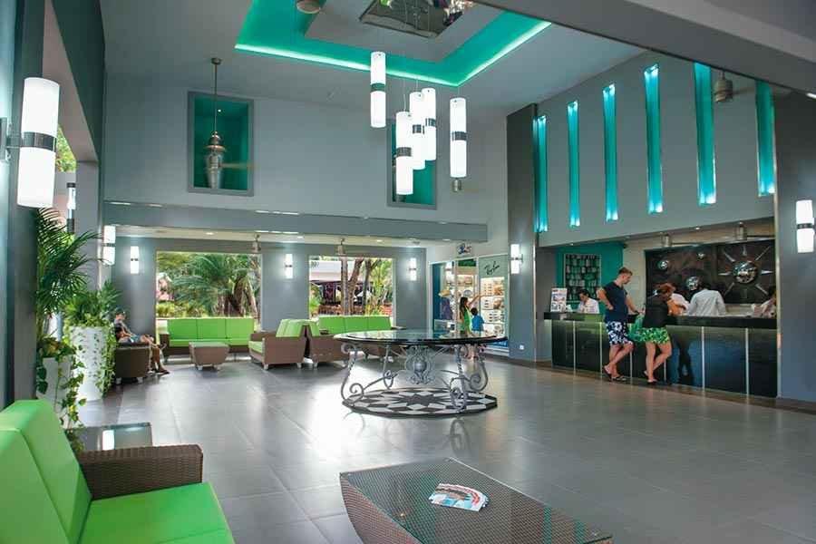 lobby-riu-lupita_tcm49-227412