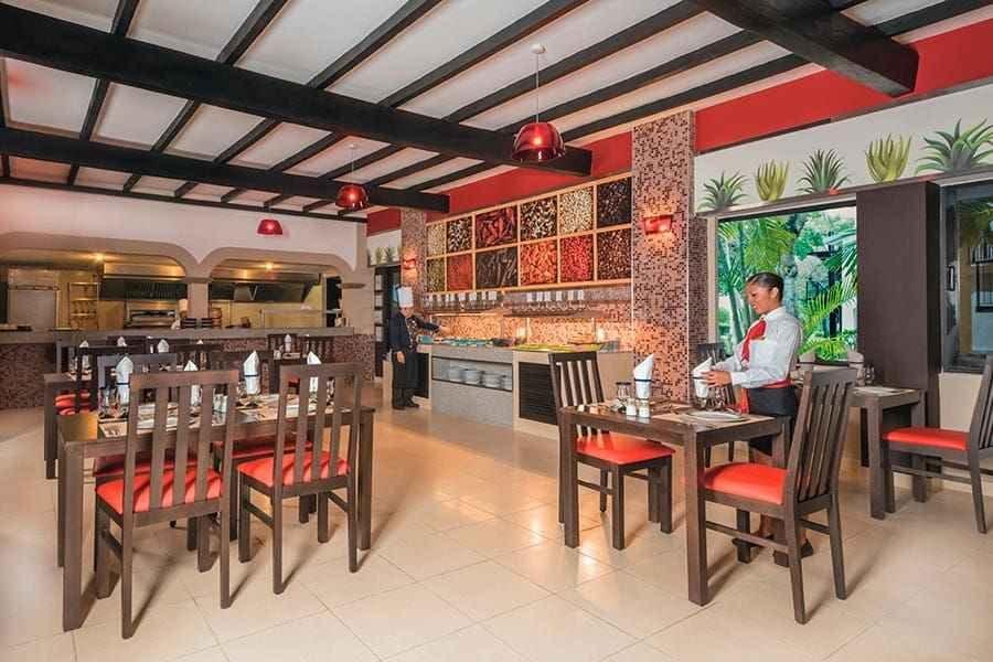 restaurante-riu-lupita-3_tcm49-227418